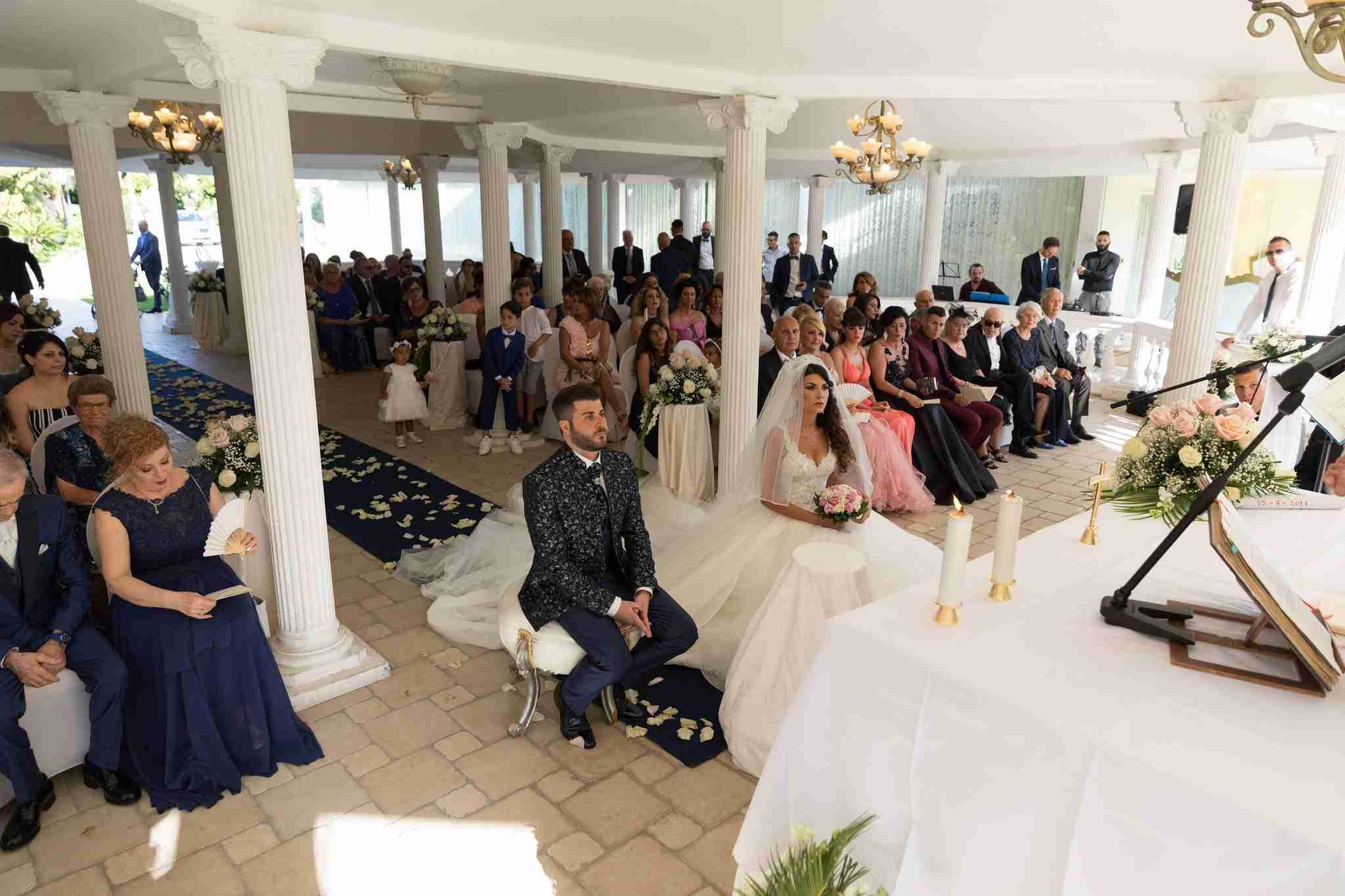 Matrimonio in Villa lago dei cigni: Cerimonia all'esterno