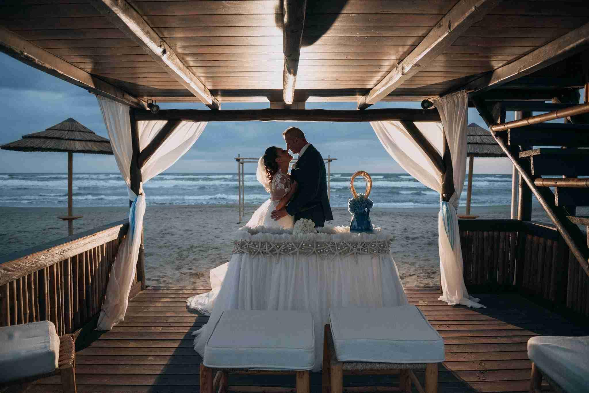 Matrimonio al Mare al Naut in Club: gazebo sulla spiaggia