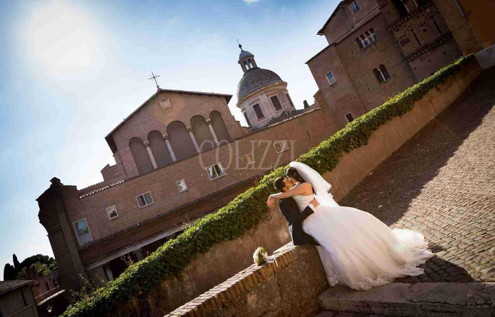 Foto all'esterno dopo la cerimonia alla Basilica Santi Giovanni e Paolo