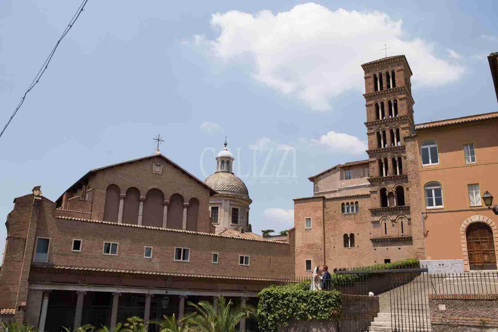 Esterno Basilica Santi Giovanni e Paolo