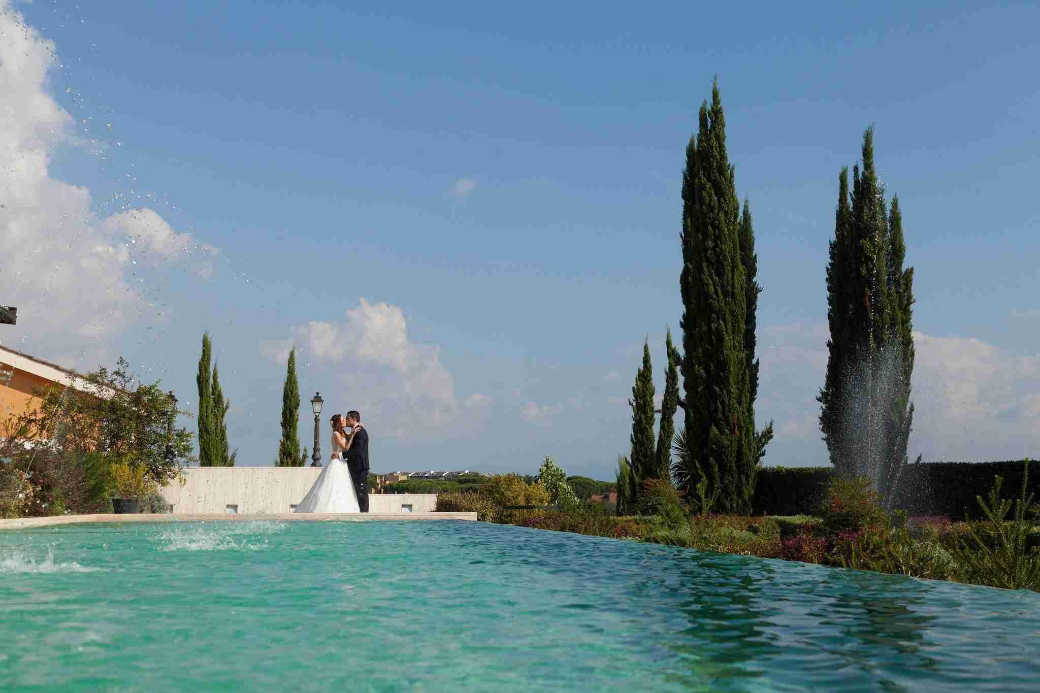 Matrimonio al Casale Realmonte: Esterno, piscina