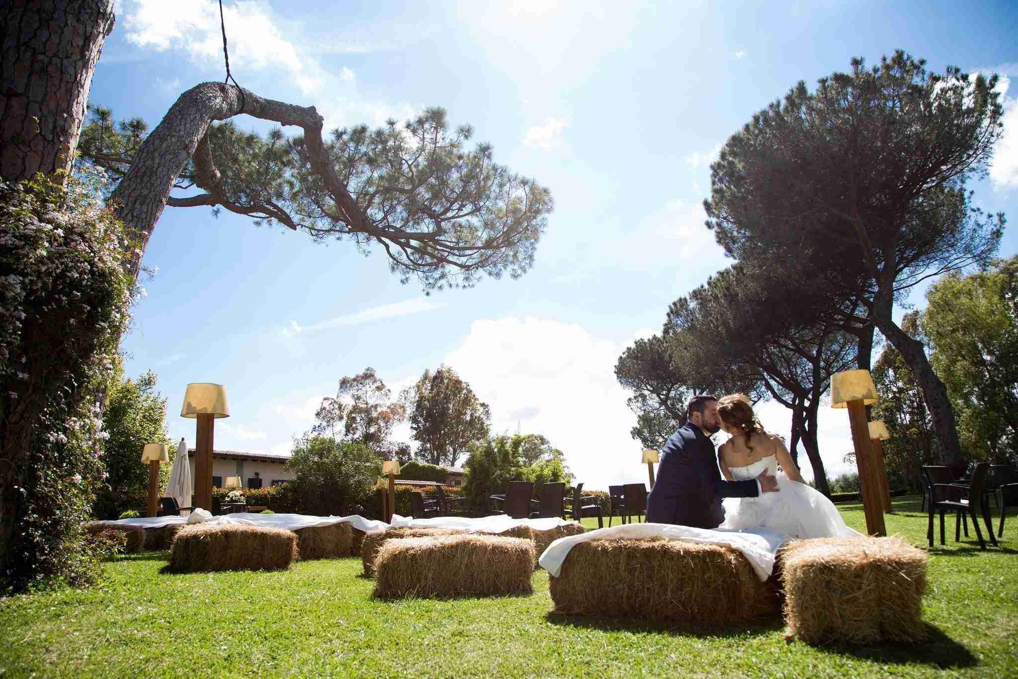 Matrimonio al Casale Santa Brigida: esterno, giardino