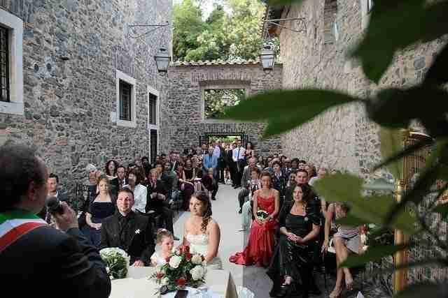 Matrimonio al Castello della Castelluccia: Cerimonia all'esterno