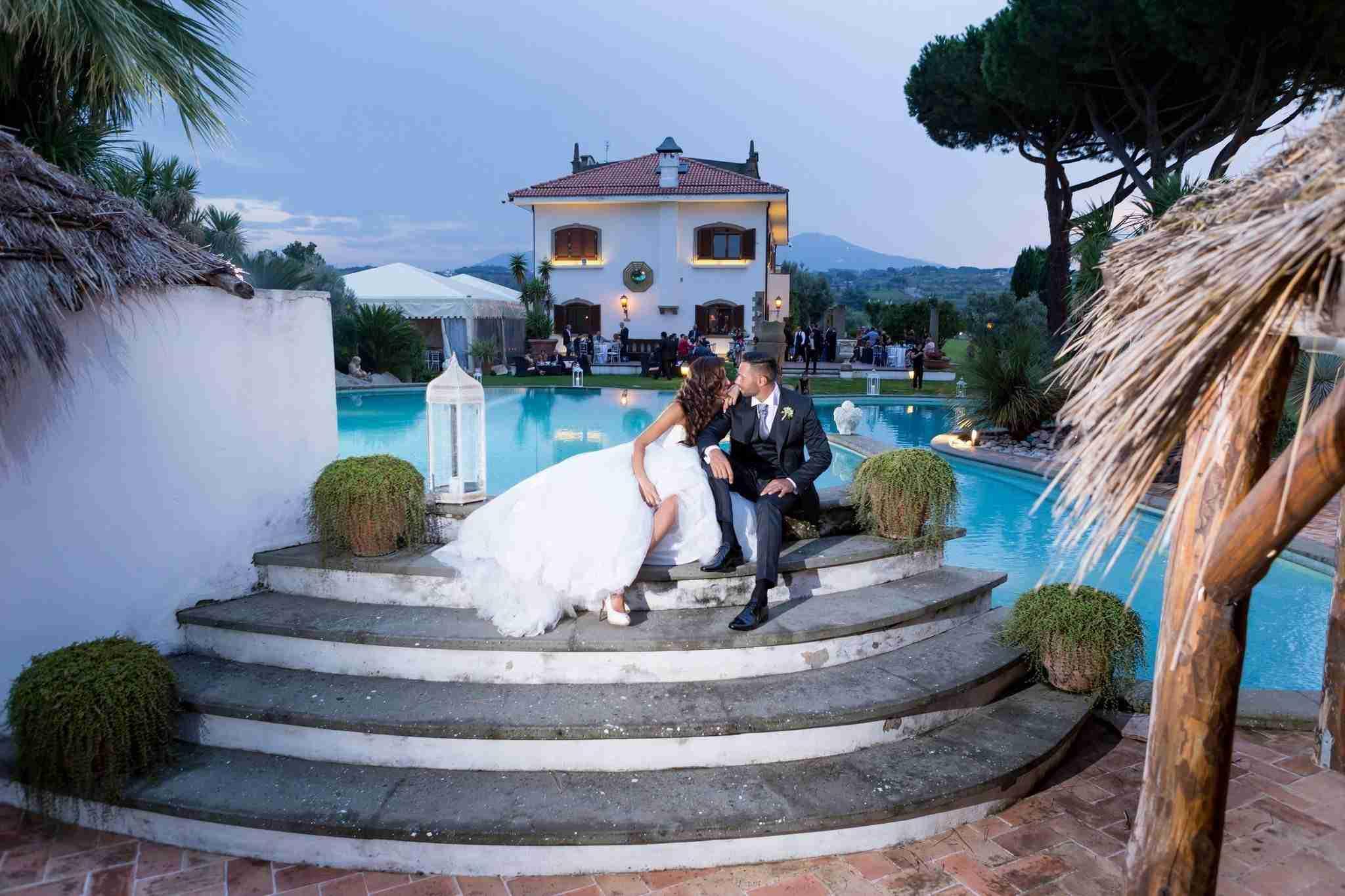 Matrimonio alla Tenuta dell'Angelica: Giardino, Piscina ed Esterni