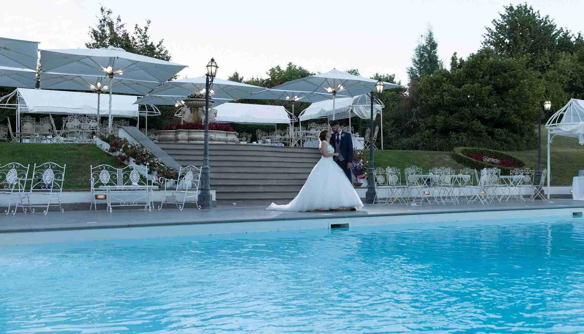 Matrimonio a Villa York: Esterni, piscina