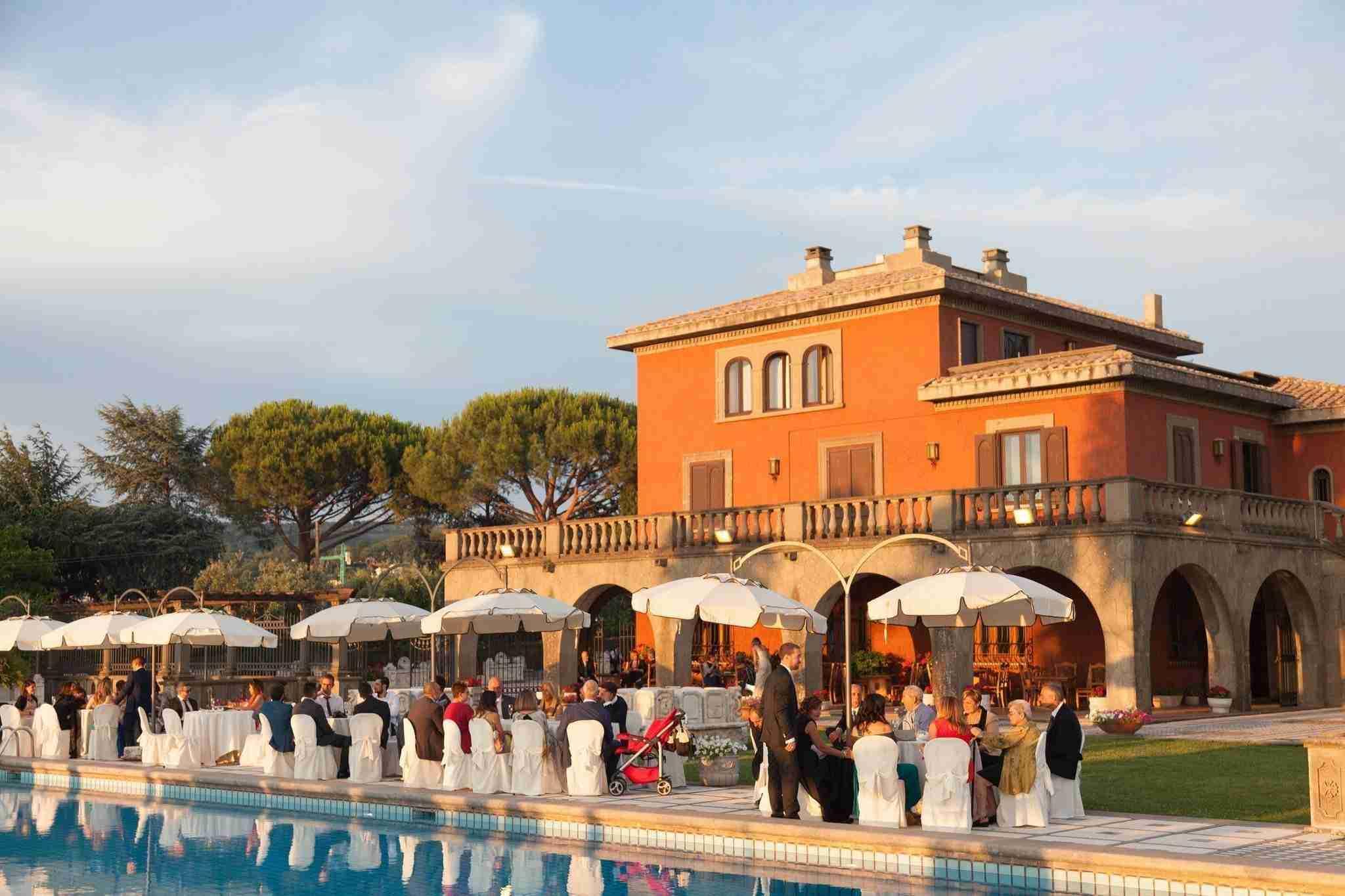 Villa per Matrimoni Monte D'Oro - Giardino con Piscina